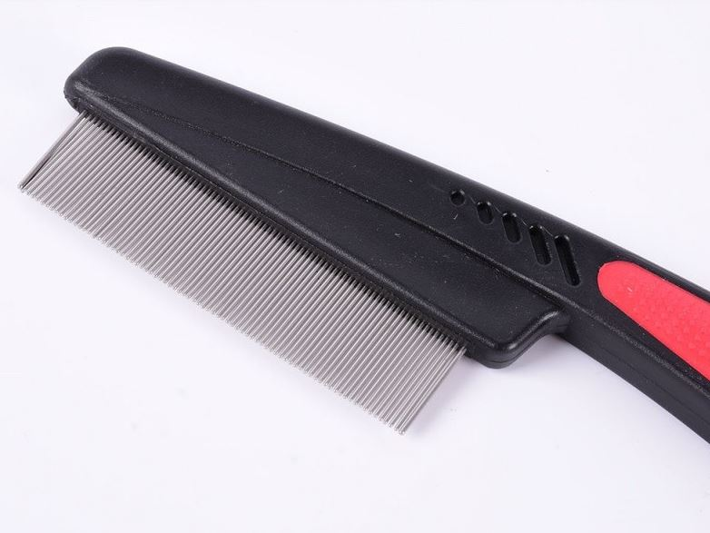 black_red_black_blue_flea_comb2