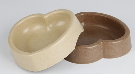 heart_shape_dog_bowl_beige_brown