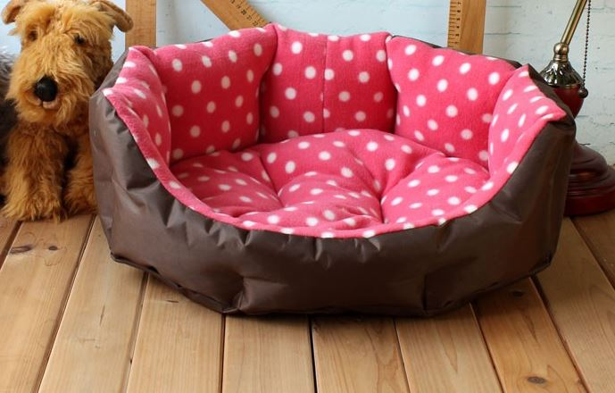 Soft_polka_dot_dog_bed_pink