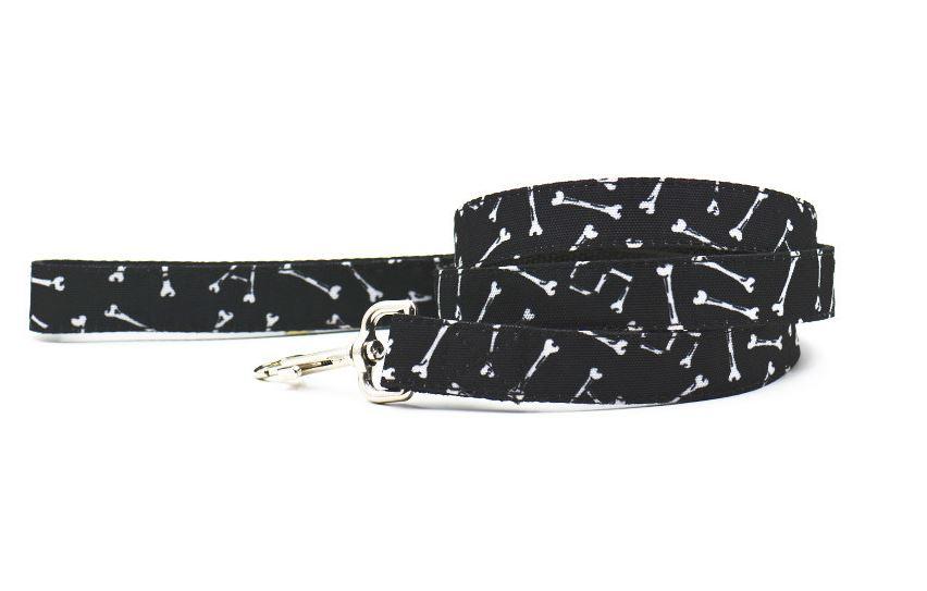 black_bone_printed_collar_with_leash_3