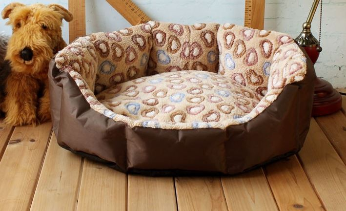 brown-beige_heart_printed_dog_bed