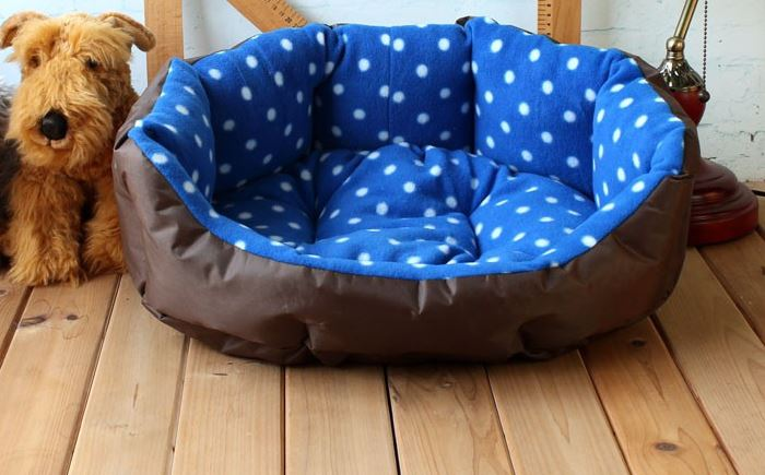 soft_polka_dot_dog_bed_blue