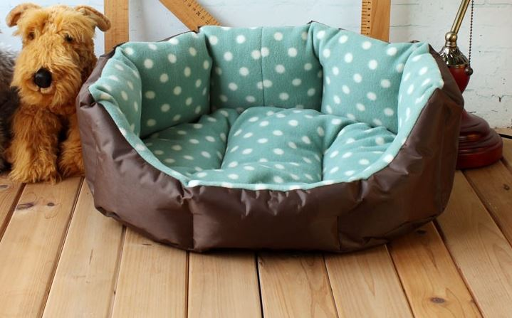 soft_polka_dot_dog_bed_green